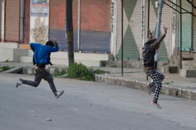 Twenty Injured in Kashmir as Protesters Defy Curfew