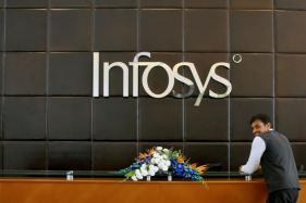Infosys Shares Extend Slide, Down 4.5 Percent