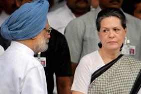 Manmohan Singh Lost His Place in History Yet Again By Toeing Sonia Gandhi's Line