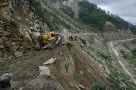 Landslide on Rishikesh-Badrinath National Highway, 1500 Feared Stranded