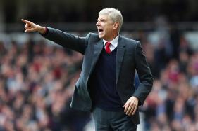 EPL Roundup: Arsenal, Tottenham Fire Blanks to Hand Man City Initiative