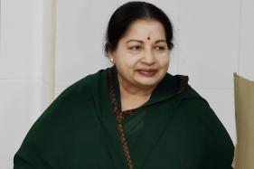 Jayalalithaa Recovering, Doctors to Decide on Discharge Date