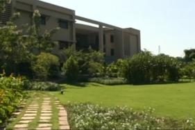 Wipro Shares Dip 1% After Muted Outlook