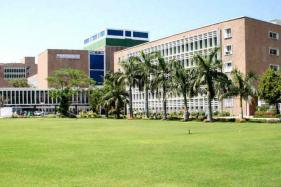 AIIMS Work Hit as 5000 Nurses Take Mass Casual Leave