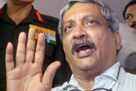 Donation to Army Voluntary: Parrikar on MNS Diktat
