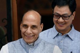 India Doesn't Need Any Third Party to Improve Ties with Kashmir: Rajnath