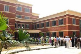 Delhi HC Issues Notice on Plea for Easing Admission for Delhi Domicile Students
