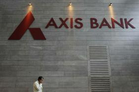 Axis Bank Net Jumps 38% on Lower Base; Asset Quality Worsens