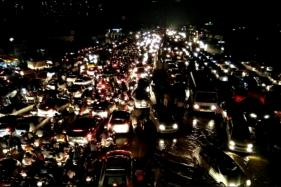 Watch: Traffic Situation  Improves, Waterlogging Still an Issue
