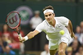 Wimbledon 2017: Roger Federer Into 2nd Round as Dolgopolov Retires Hurt
