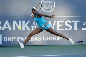 Venus Williams Tumbles Out of Rogers Cup in Montreal