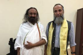 Burhan Wani's Father Met Sri Sri Ravishankar At Bengaluru Ashram