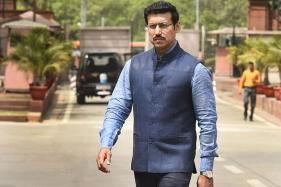 SC Directs Parsvnath to Give Flat to MoS Rathore in 2 Days