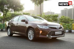Toyota Camry Hybrid Review: The Hybrid of the Future