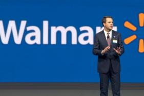 Wal-Mart Sees 40 Percent Online Sales Growth Next Year, Shares Rise