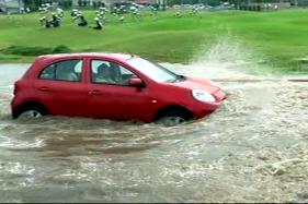 6 cm of Rain Brings Delhi to its Knees