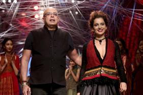 Kangana Ranaut Walks The Ramp For Tarun Tahiliani; Earthy Hues Dominate The Collection