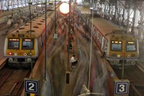 Rail Card to Replace Season Tickets on Suburban Trains