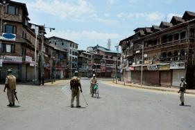Curfew Extended in Kashmir Ahead of Separatists' March to Eidgah