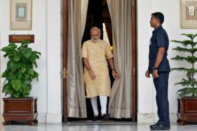 PM Modi Meets Top Navy Official, Army & Air Force Chief to Discuss 'Security Issues'