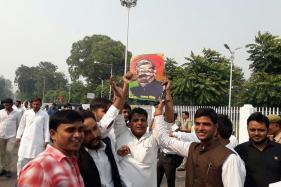 Samajwadi Party Youth Wing Torches Effigy of Amar Singh