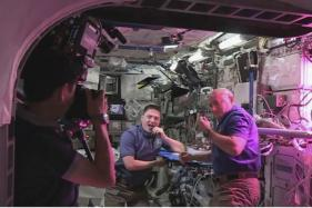 NASA Growing Red Romaine Lettuce Aboard International Space Station