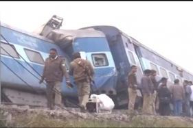 Aurangabad-Hyderabad Passenger Train Derails, One Injured
