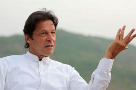 Zardari looting Pak for years, will expose his graft: Imran Khan