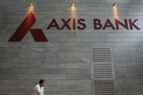 Axis Bank Out of the Woods; Net Jumps 25.3% as Provisions Halve