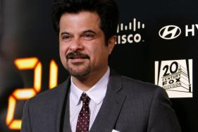 Demonetisation Drive : Anil Kapoor Clicks Selfies With Fans In ATM Line