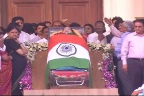 Tamil Actors Rajnikanth, Ajit Kumar, Trisha Mourn Jayalalithaa Demise