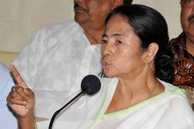 CM Mamata Concerned Over Jayalalithaa's Health, Wishes her Speedy Recovery