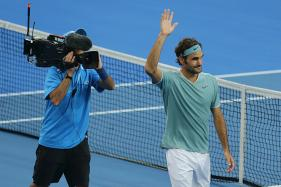 Dubai Open: Roger Federer Eases into Round Two