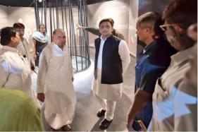 Mulayam Gears up for Lohia Trust Meeting, Will Akhilesh, Ramgopal Get the Axe?