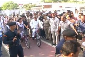 SP Symbol Row: Akhilesh Yadav Gets to Ride 'Cycle', Mulayam Loses out