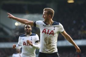 Harry Kane Double Keeps Tottenham in Title Hunt