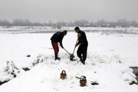 Snow Blizzard in Arunachal, Army Rescues 127 Tourists