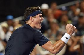 Australian Open 2017: Raonic Fights Fever, Downs Simon to Reach Last 16