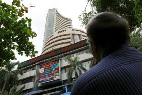 Sensex Extends Losses for the 2nd Straight Week, Down 205 Points