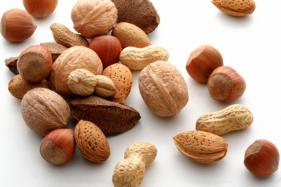 Five Energy Boosting Foods You Must Carry to Your Workplace
