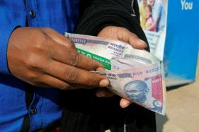 No Rs 1000 Notes Now; Govt Asks People Not to Overdraw From ATMs