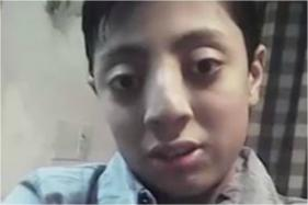 Pakistani 'Eye-Popping' Boy Becomes Internet Rage