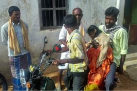 Karnataka Man Forced to Carry Daughter's Dead Body in a 2-wheeler