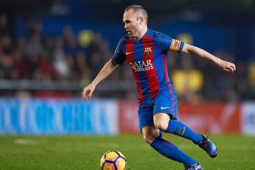 Barcelona Captain Andres Iniesta Backs Coach After Fans Vent Frustration