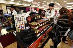 Valentine's Day: Japanese Women Buy 'Obligation Chocolates' For Men