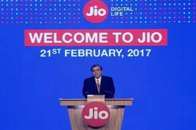 Reliance Shares Vault to 7-Year High on Jio's Revenue Visibility