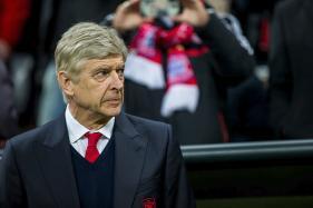 Lee Dixon Senses Arsene Wenger's Time at Arsenal Nearing End