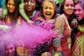 Holi 2017: Listen to These Popular Numbers While Celebrating Festival of Colors
