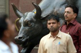 Sensex Recovers 147 Points in Early Trade