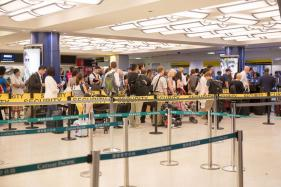 US Poised to Curb Electronic Devices on Middle East Flights